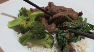 Lemongraaa Beef, Spinach in Sesame Dressing Brocolli and rice