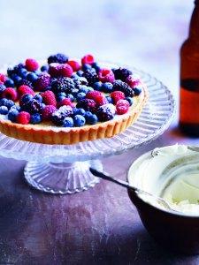 Berry marscapone tart